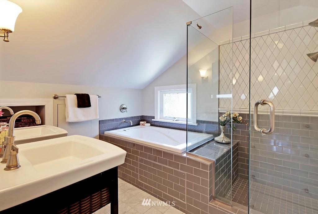 Sold Property   1039 NE 91st Street Seattle, WA 98115 9