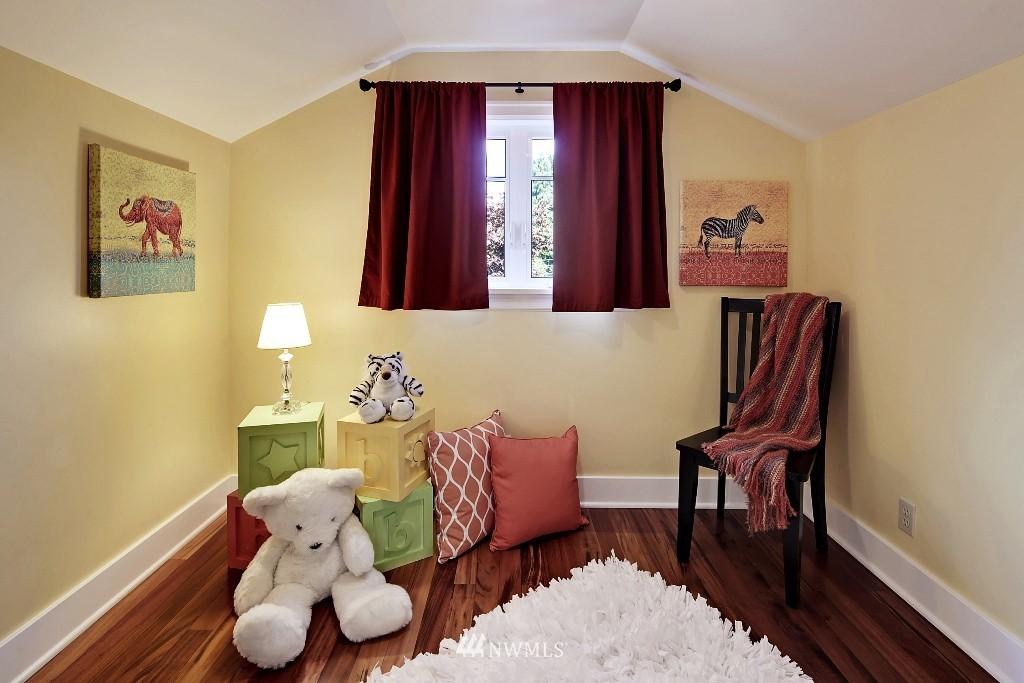 Sold Property   1039 NE 91st Street Seattle, WA 98115 10