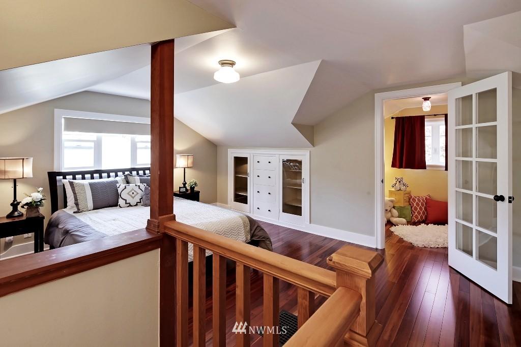 Sold Property   1039 NE 91st Street Seattle, WA 98115 11