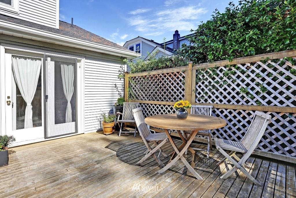 Sold Property   1039 NE 91st Street Seattle, WA 98115 15