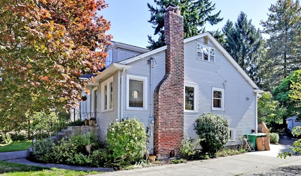 Sold Property   1039 NE 91st Street Seattle, WA 98115 18