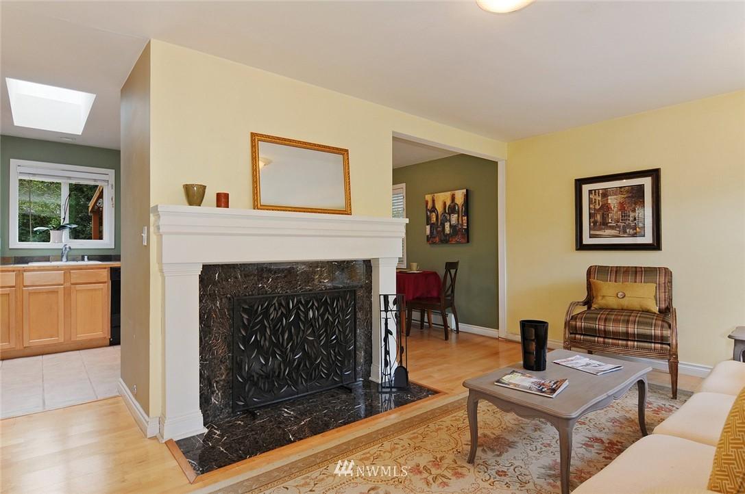 Sold Property | 8808 Ravenna Avenue NE Seattle, WA 98115 2