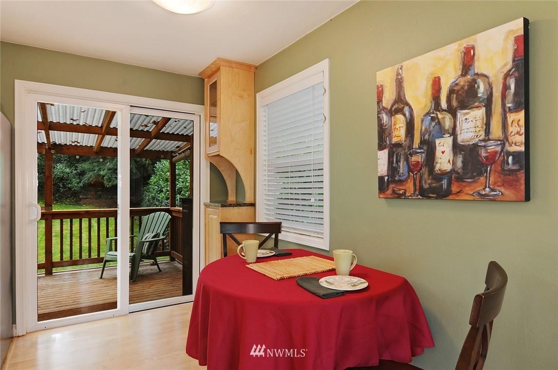 Sold Property | 8808 Ravenna Avenue NE Seattle, WA 98115 5