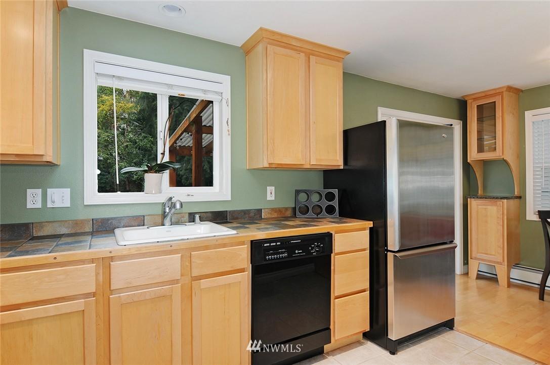 Sold Property | 8808 Ravenna Avenue NE Seattle, WA 98115 7