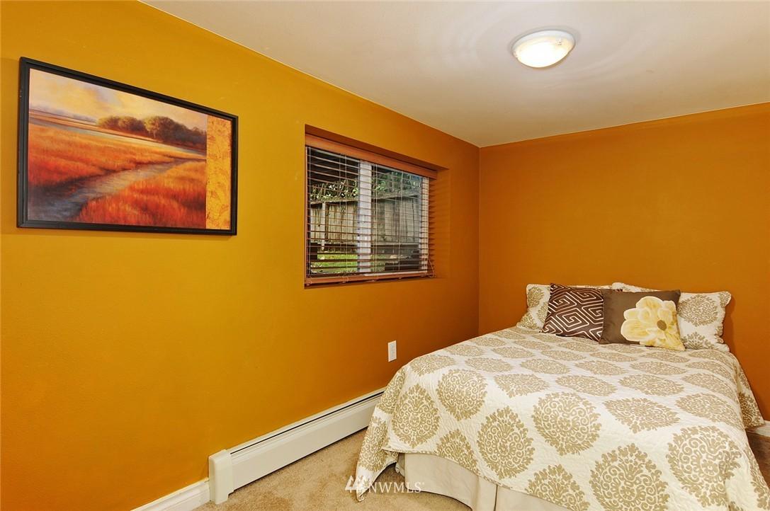Sold Property | 8808 Ravenna Avenue NE Seattle, WA 98115 13