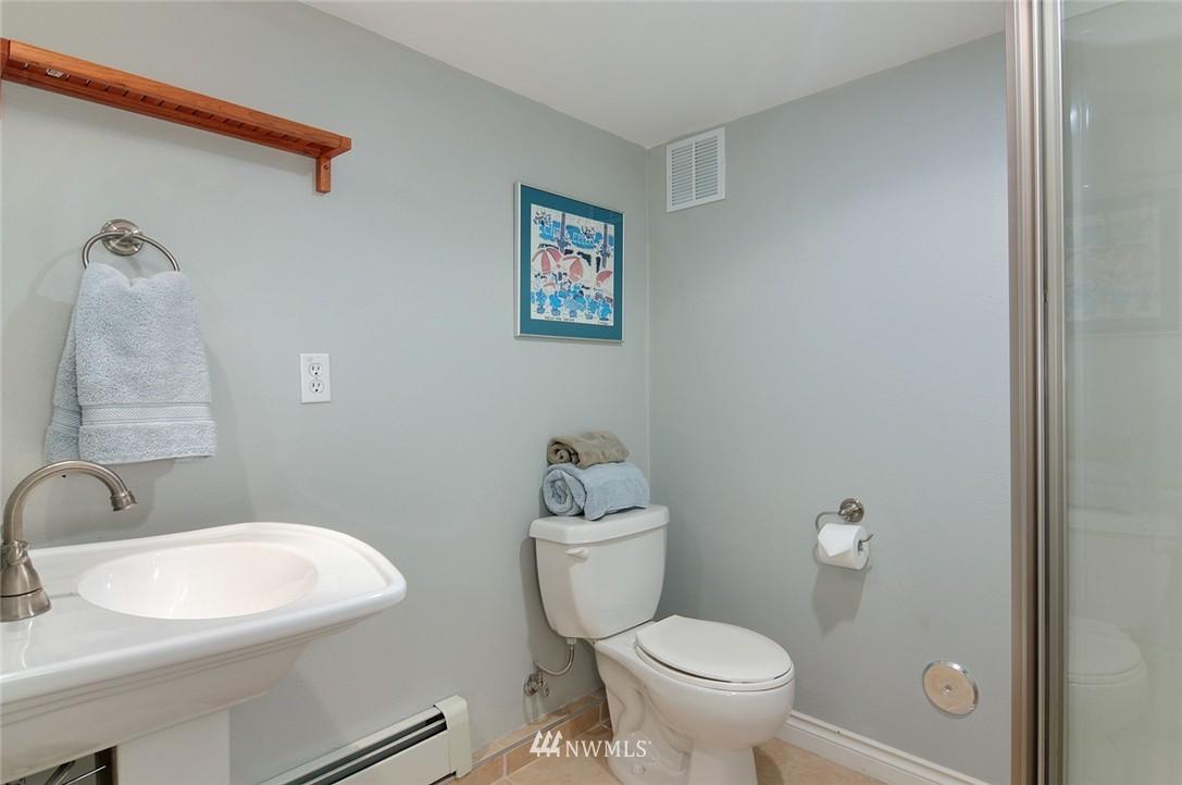 Sold Property | 8808 Ravenna Avenue NE Seattle, WA 98115 14
