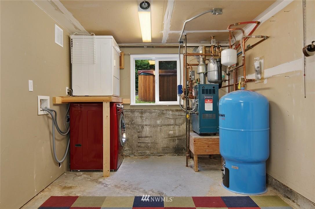 Sold Property | 8808 Ravenna Avenue NE Seattle, WA 98115 15