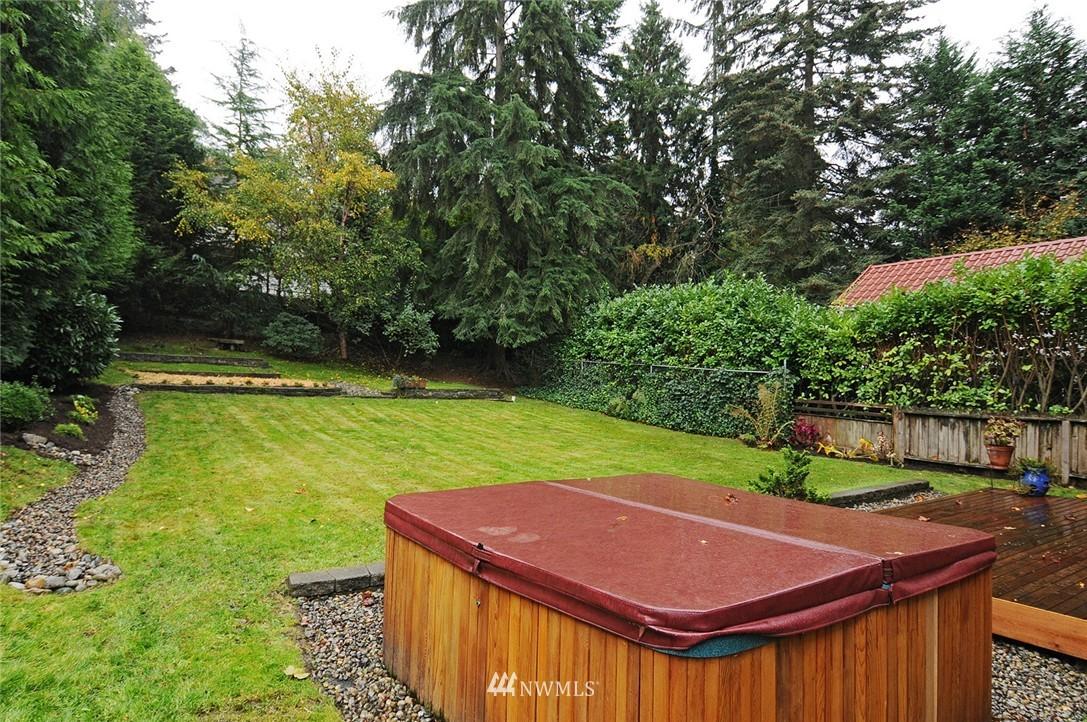 Sold Property | 8808 Ravenna Avenue NE Seattle, WA 98115 17