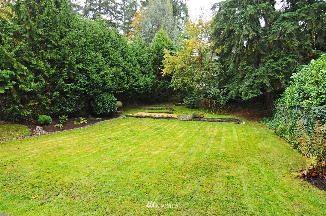 Sold Property | 8808 Ravenna Avenue NE Seattle, WA 98115 18