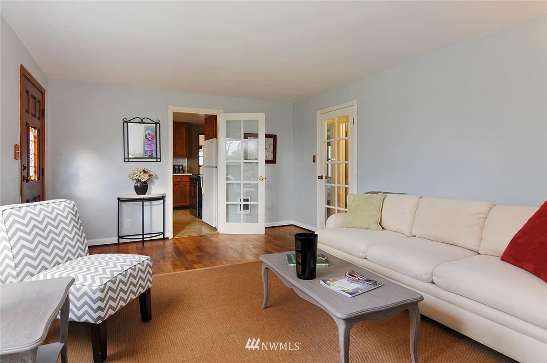 Sold Property | 15642 5th Avenue NE Shoreline, WA 98155 3