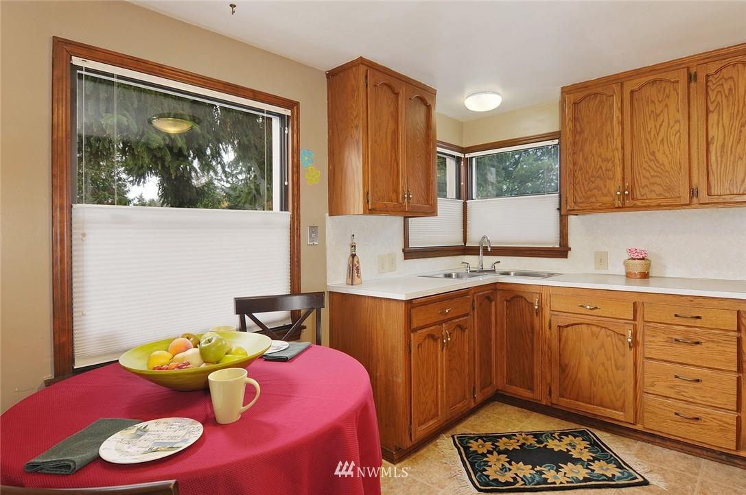 Sold Property | 15642 5th Avenue NE Shoreline, WA 98155 4