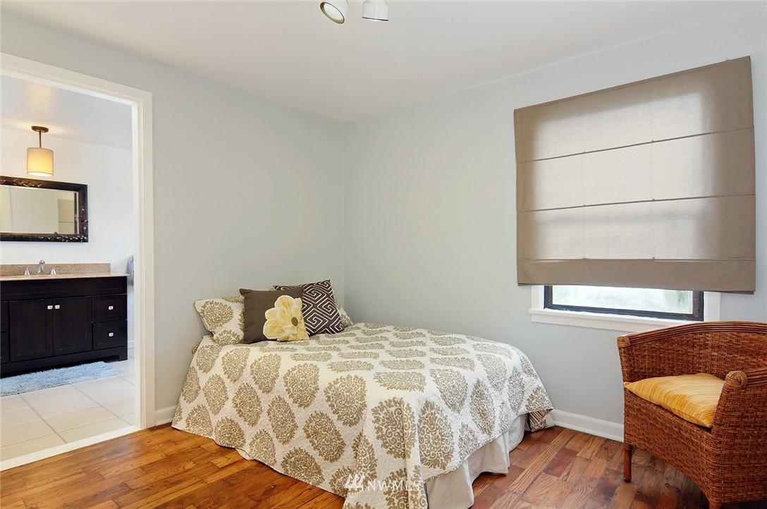 Sold Property | 15642 5th Avenue NE Shoreline, WA 98155 6