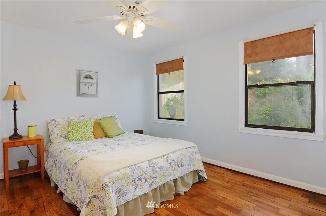 Sold Property | 15642 5th Avenue NE Shoreline, WA 98155 8