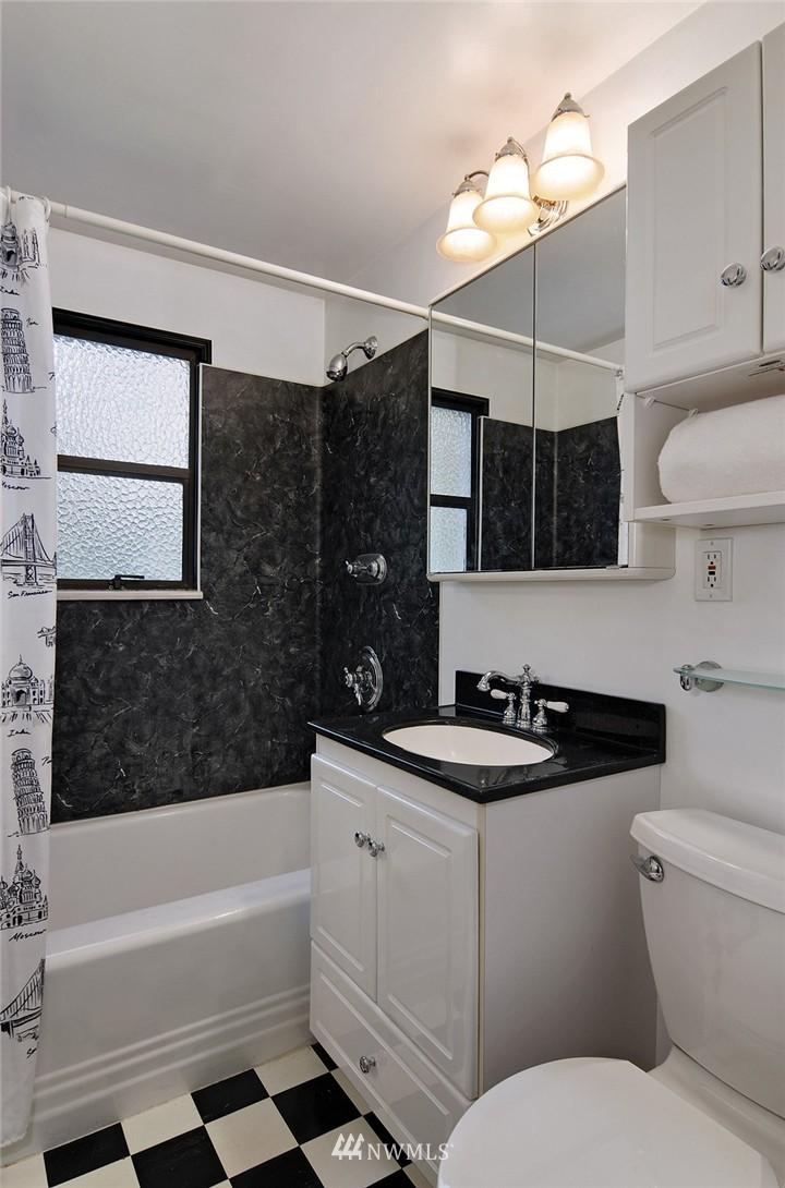 Sold Property | 15642 5th Avenue NE Shoreline, WA 98155 9
