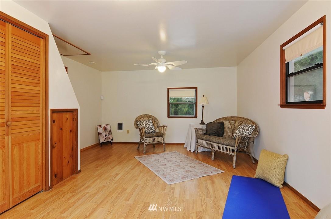 Sold Property | 15642 5th Avenue NE Shoreline, WA 98155 11