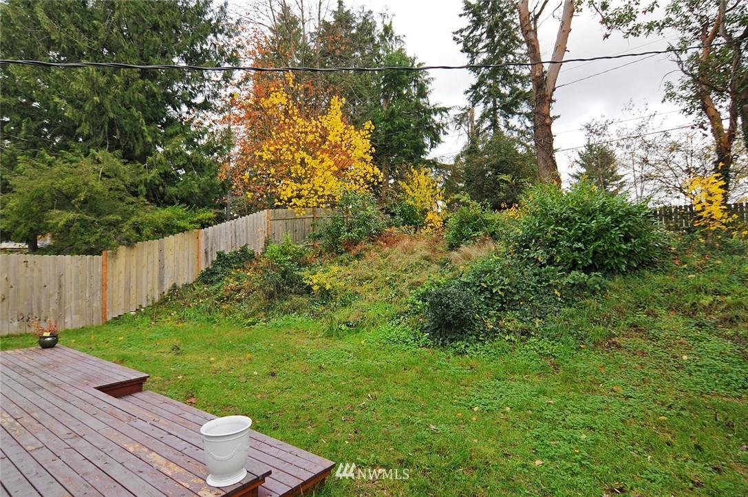 Sold Property | 15642 5th Avenue NE Shoreline, WA 98155 14