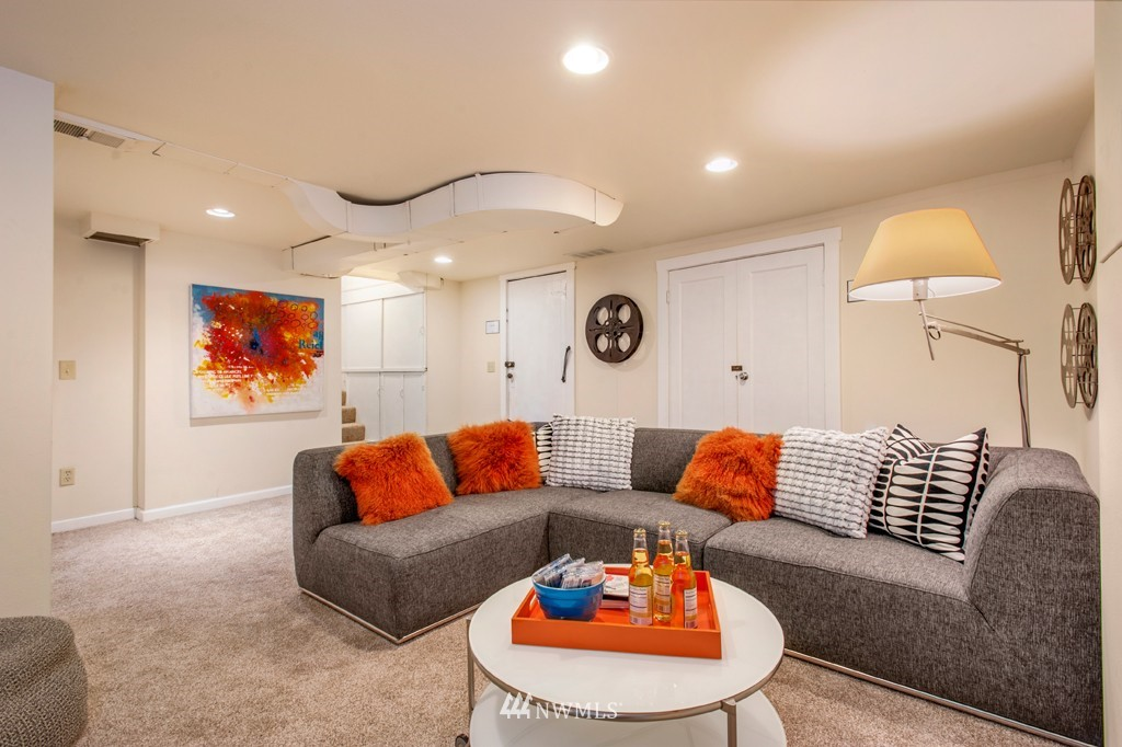 Sold Property | 3411 16th Avenue S Seattle, WA 98144 11