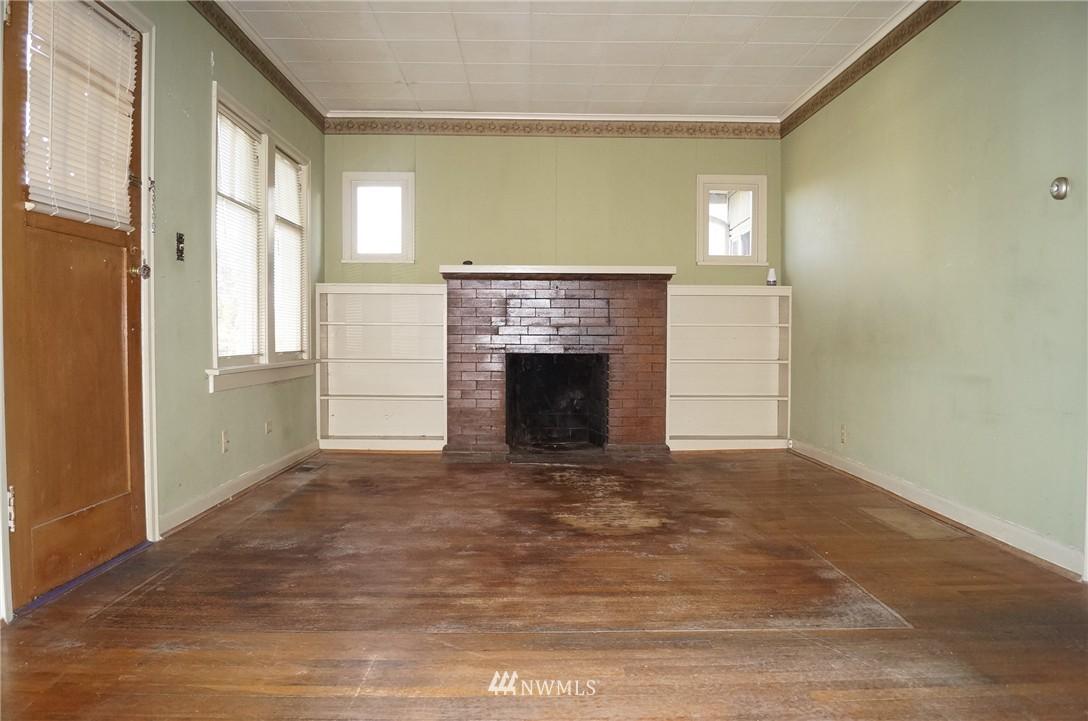Sold Property | 1011 N 46th Street Seattle, WA 98103 2