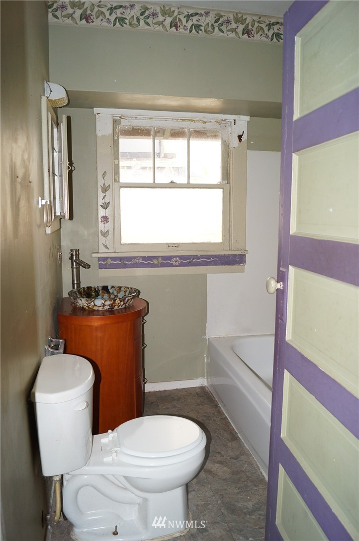 Sold Property | 1011 N 46th Street Seattle, WA 98103 11