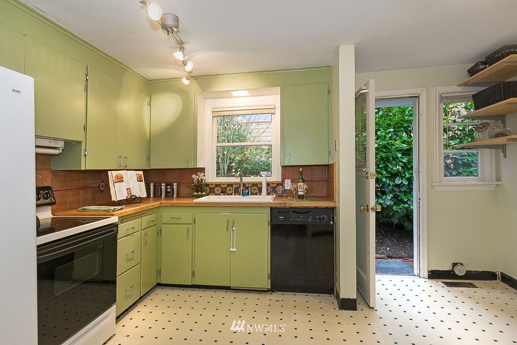 Sold Property | 5026 Bowen Place S Seattle, WA 98118 5
