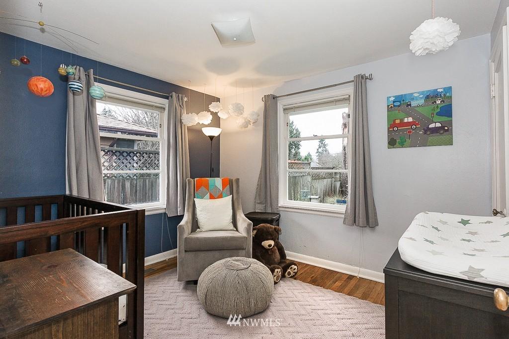 Sold Property | 5026 Bowen Place S Seattle, WA 98118 8