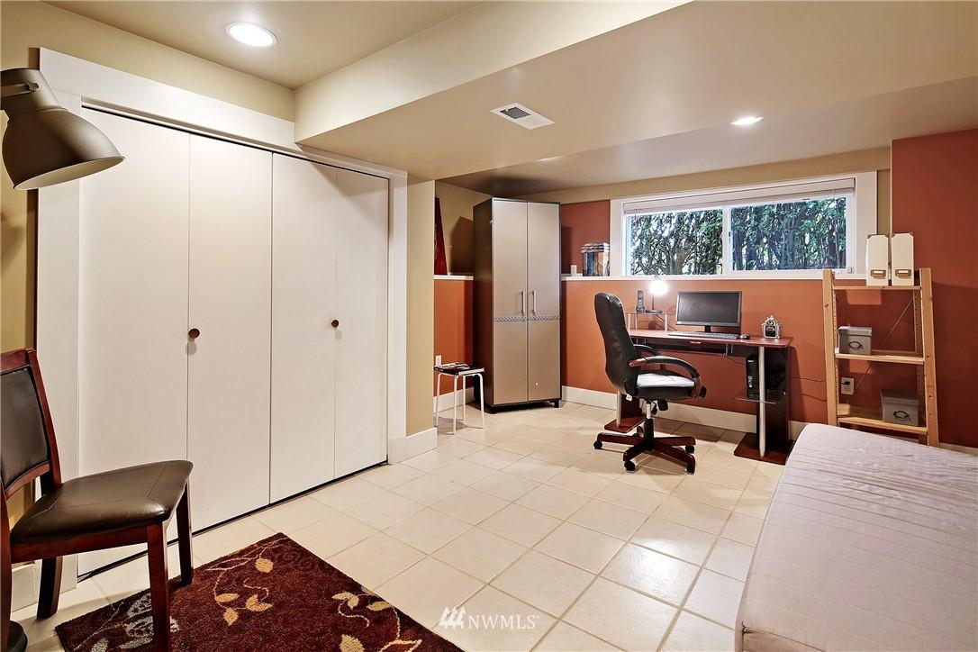 Sold Property   154 NW 81st Street Seattle, WA 98117 18