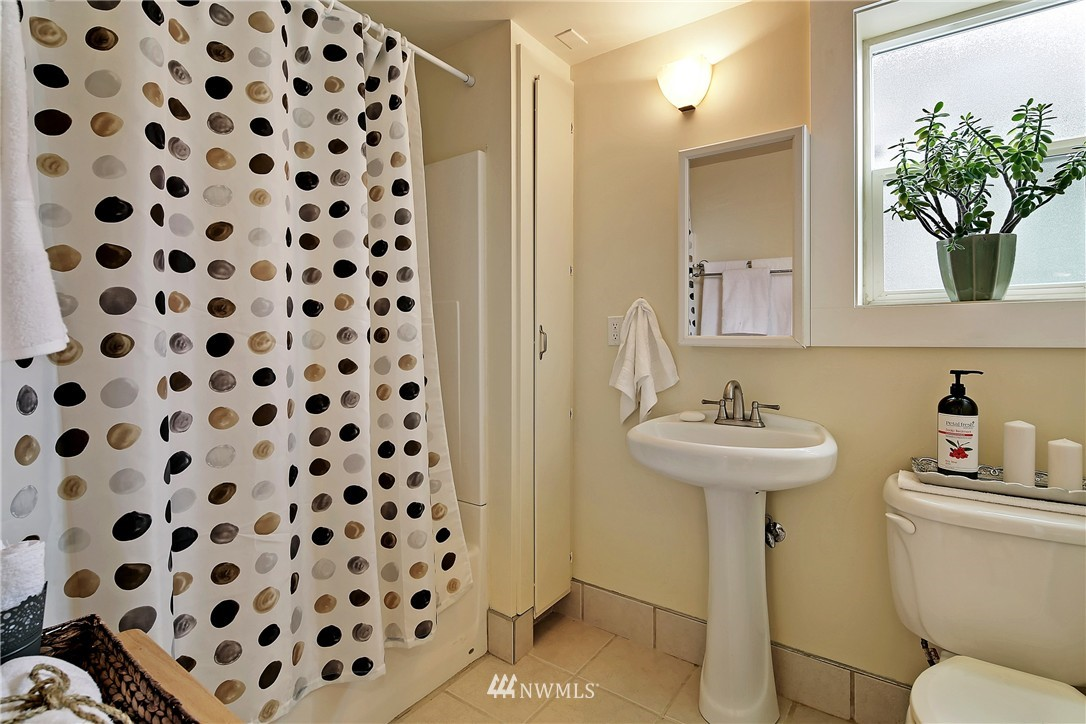 Sold Property   154 NW 81st Street Seattle, WA 98117 19