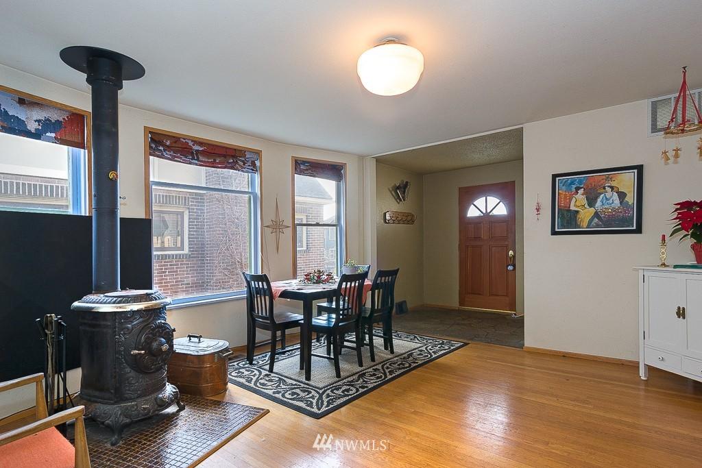 Sold Property | 7216 Palatine Avenue N Seattle, WA 98103 3