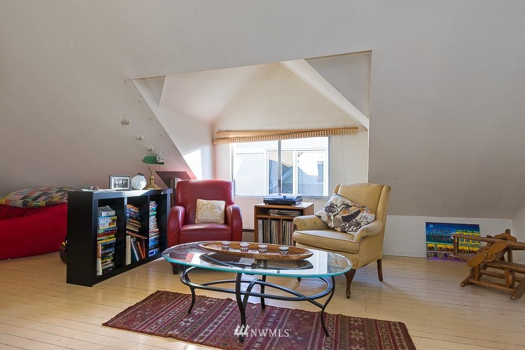 Sold Property | 7216 Palatine Avenue N Seattle, WA 98103 11