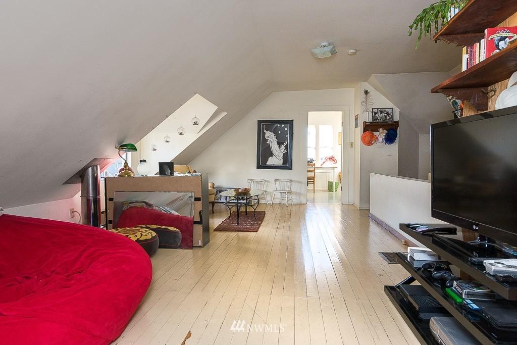 Sold Property | 7216 Palatine Avenue N Seattle, WA 98103 12