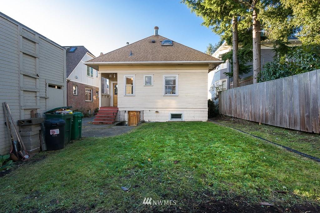 Sold Property | 7216 Palatine Avenue N Seattle, WA 98103 15