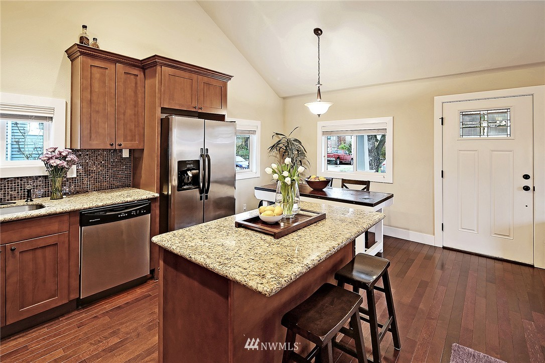 Sold Property | 8009 26th Avenue NW Seattle, WA 98117 5