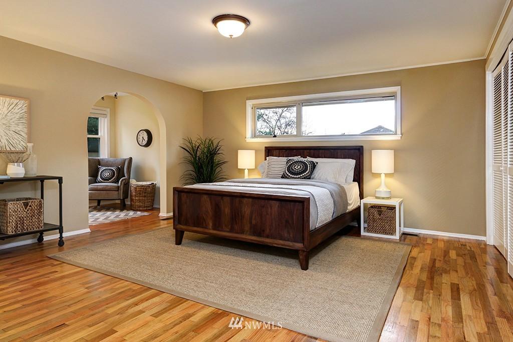 Sold Property | 12026 2nd Avenue NE Seattle, WA 98125 7