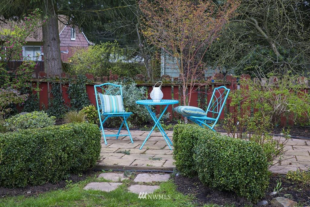 Sold Property | 12026 2nd Avenue NE Seattle, WA 98125 14