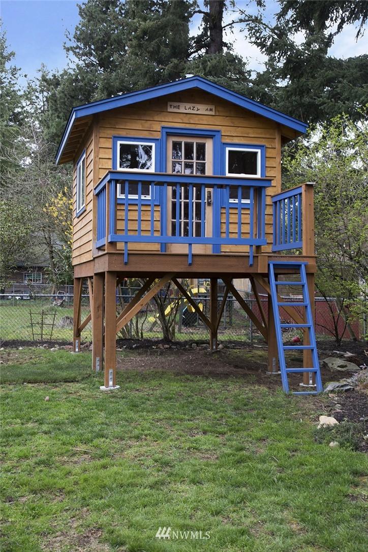 Sold Property | 12026 2nd Avenue NE Seattle, WA 98125 16