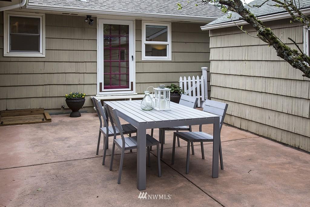 Sold Property | 12026 2nd Avenue NE Seattle, WA 98125 17