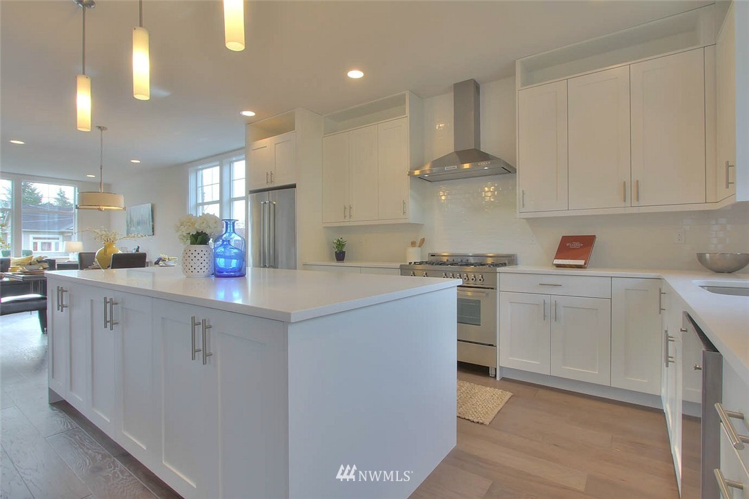 Sold Property   2356 N 58th Street Seattle, WA 98103 5