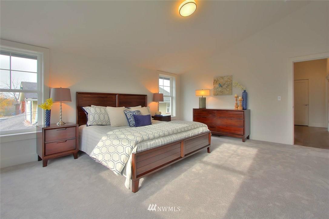 Sold Property   2356 N 58th Street Seattle, WA 98103 10