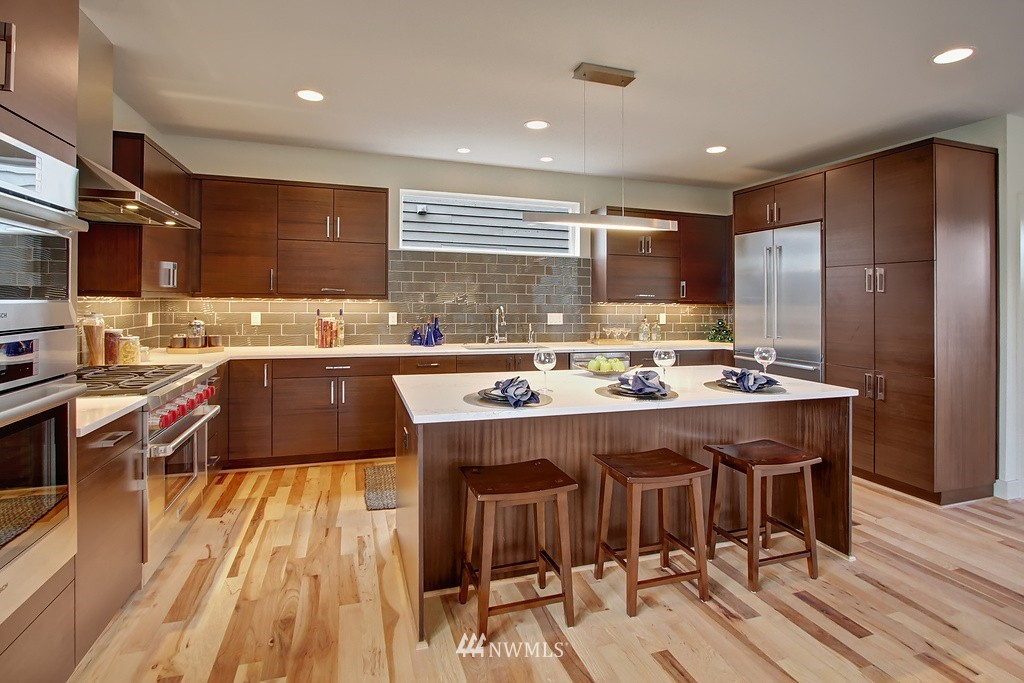 Sold Property   3813 NE 57th Street Seattle, WA 98105 2
