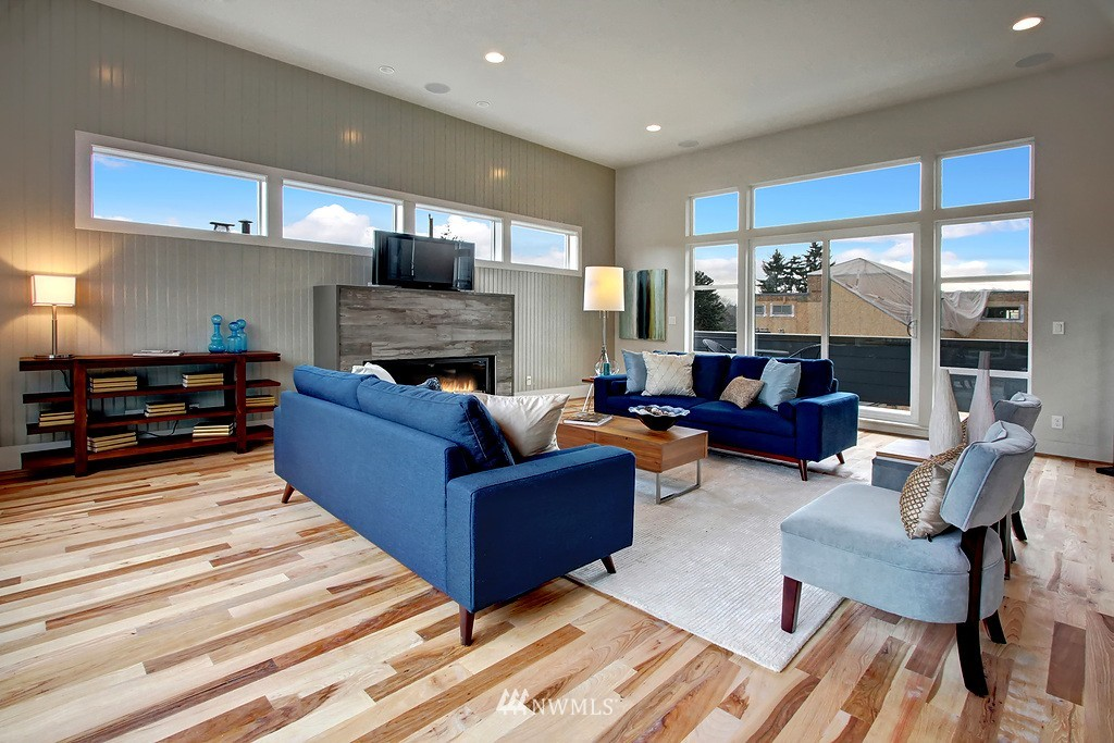 Sold Property   3813 NE 57th Street Seattle, WA 98105 6