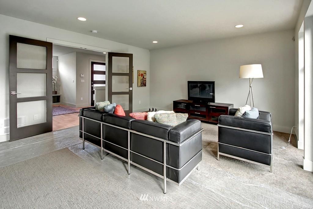 Sold Property   3813 NE 57th Street Seattle, WA 98105 9