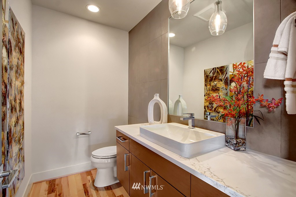 Sold Property   3813 NE 57th Street Seattle, WA 98105 15