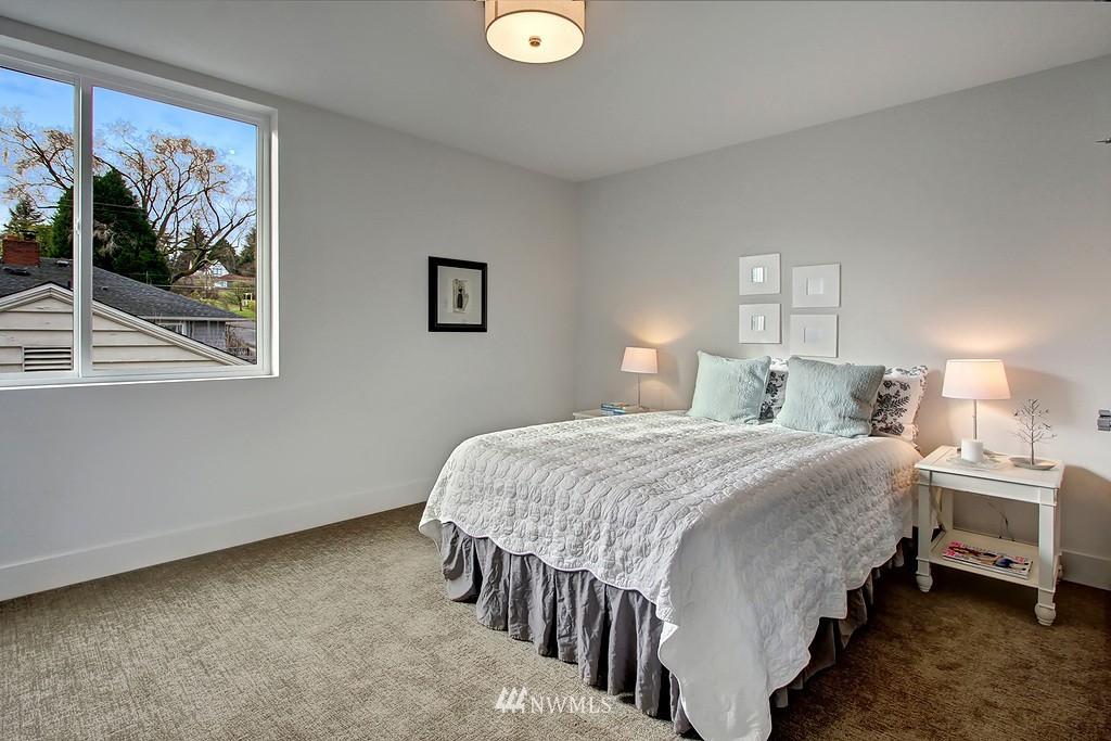 Sold Property   3813 NE 57th Street Seattle, WA 98105 18