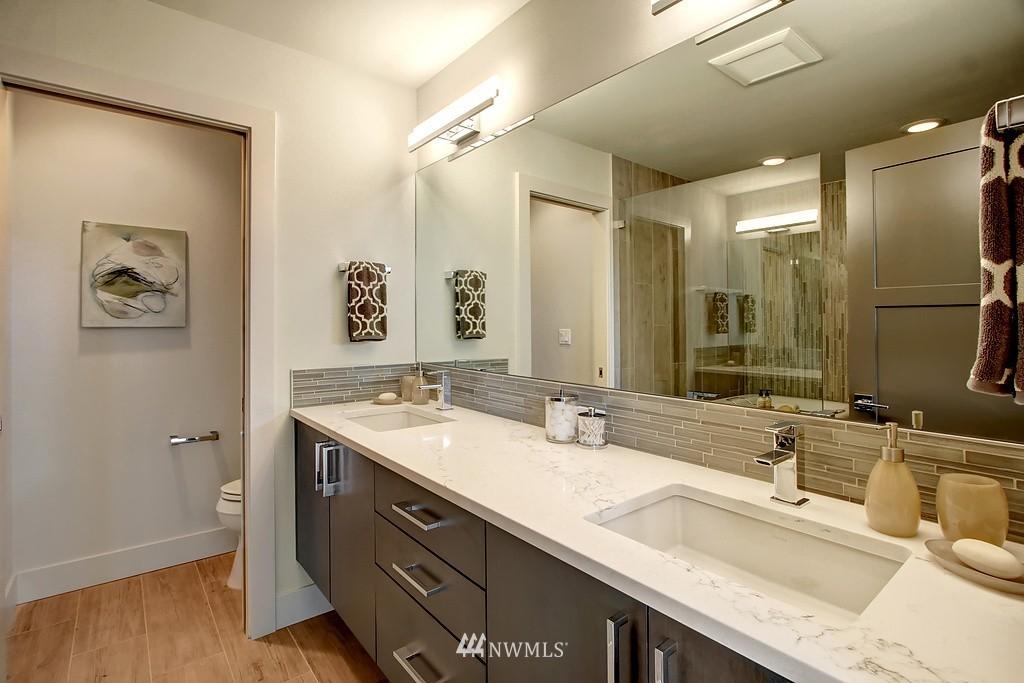 Sold Property   3813 NE 57th Street Seattle, WA 98105 19