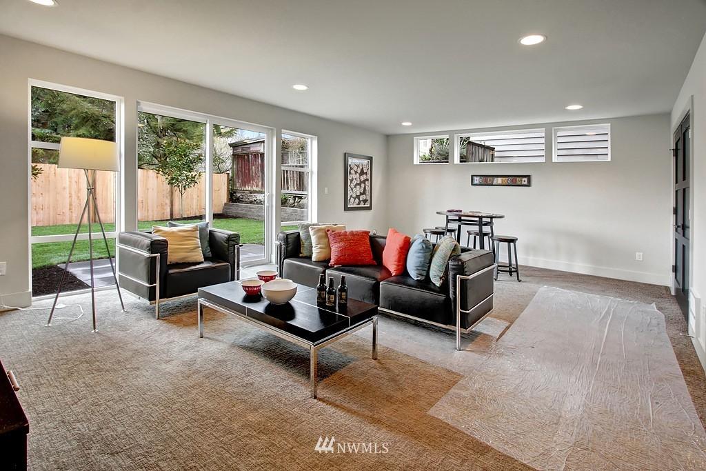 Sold Property   3813 NE 57th Street Seattle, WA 98105 20