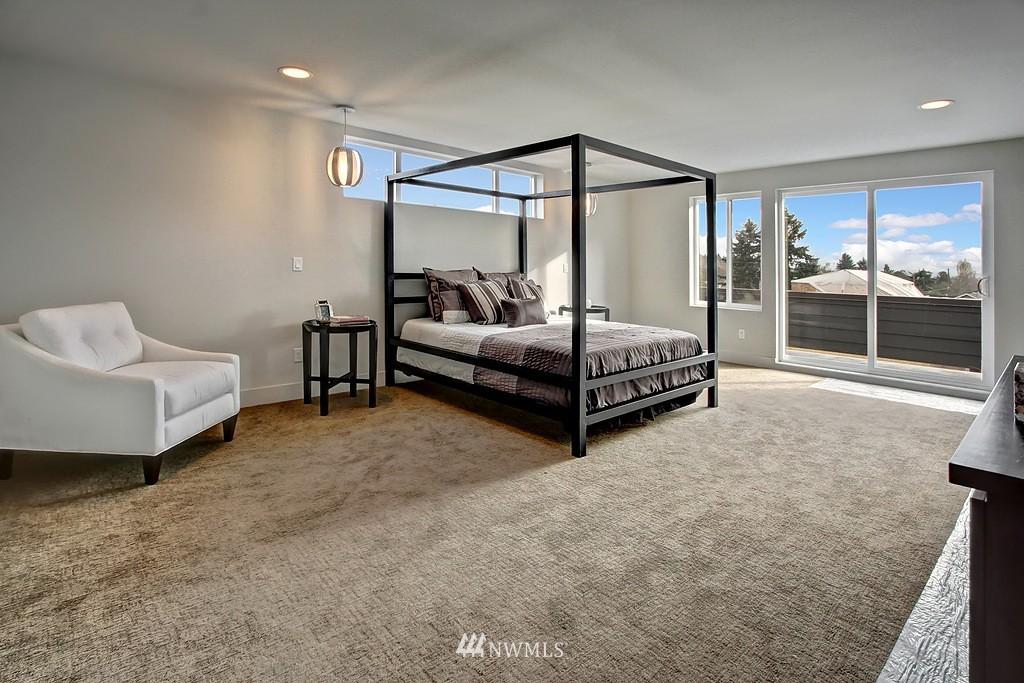 Sold Property   3813 NE 57th Street Seattle, WA 98105 11