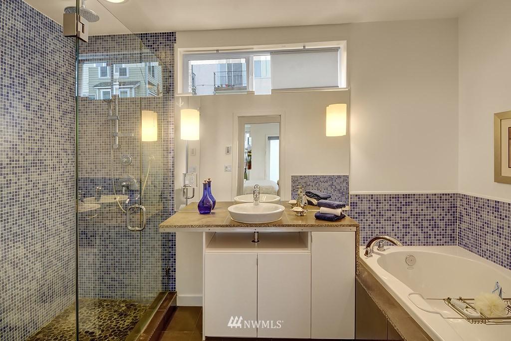 Sold Property | 1523 19th Avenue #B Seattle, WA 98122 11