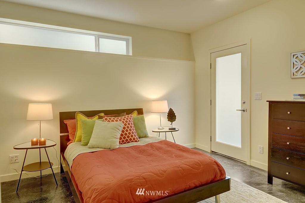 Sold Property | 1523 19th Avenue #B Seattle, WA 98122 13