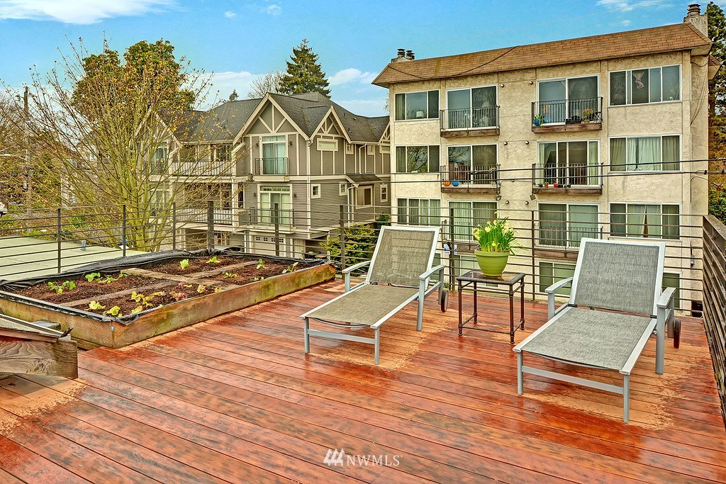 Sold Property | 1523 19th Avenue #B Seattle, WA 98122 16