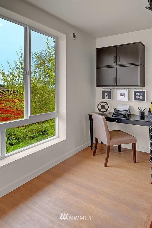 Sold Property | 1523 19th Avenue #B Seattle, WA 98122 4